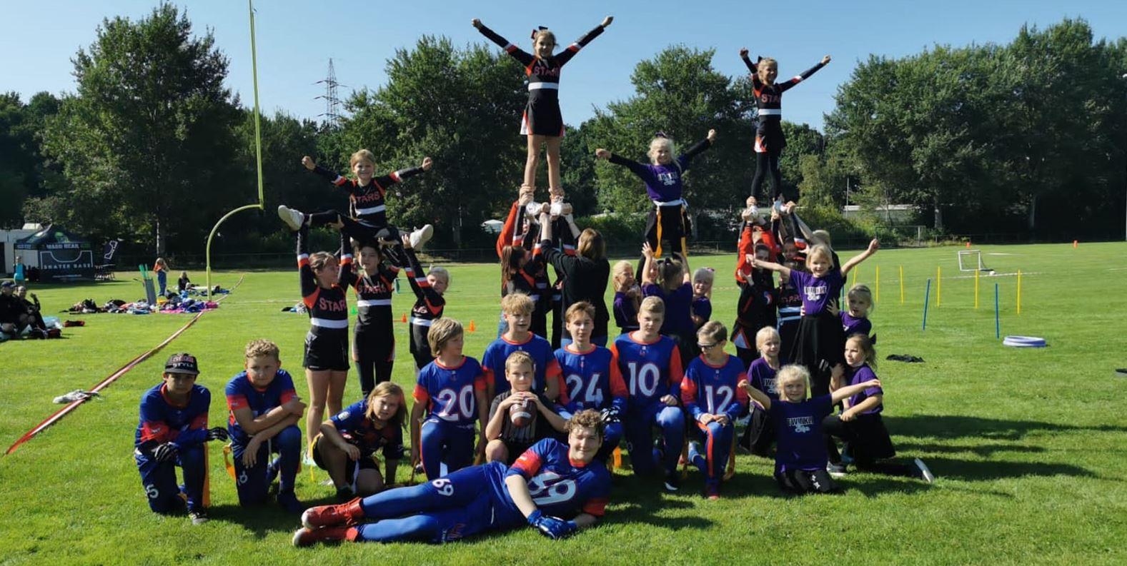 Cheerleading und Flag Football